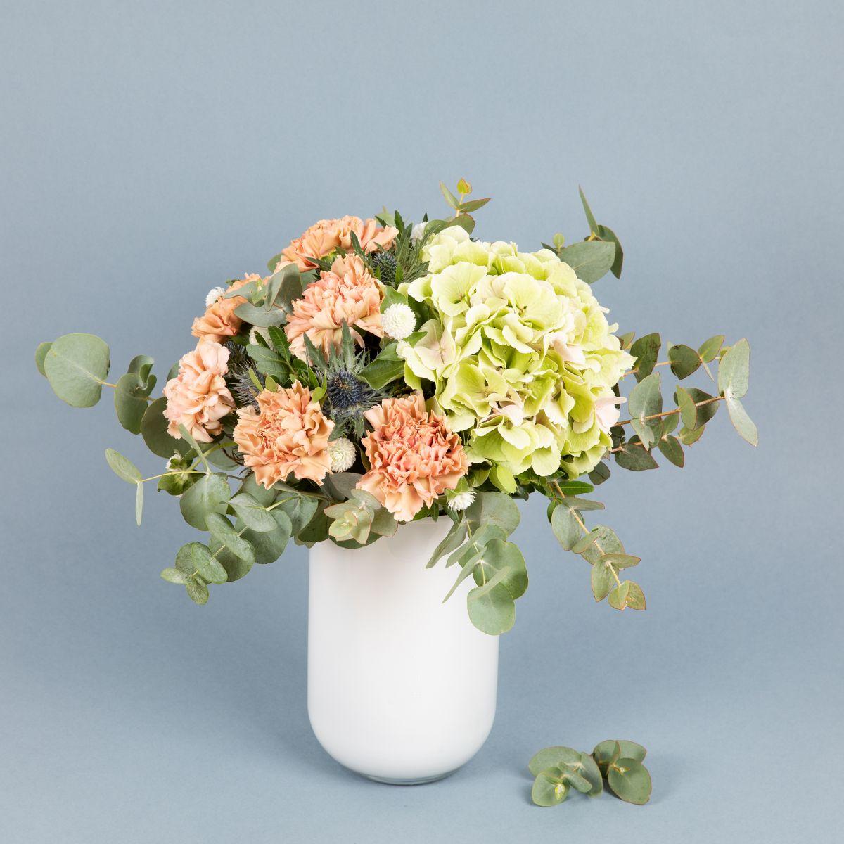 ramo de flores con claveles para que la casa huela bien